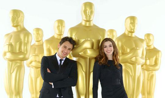 Oscar 2011 - James Franco & Anne Hathaway