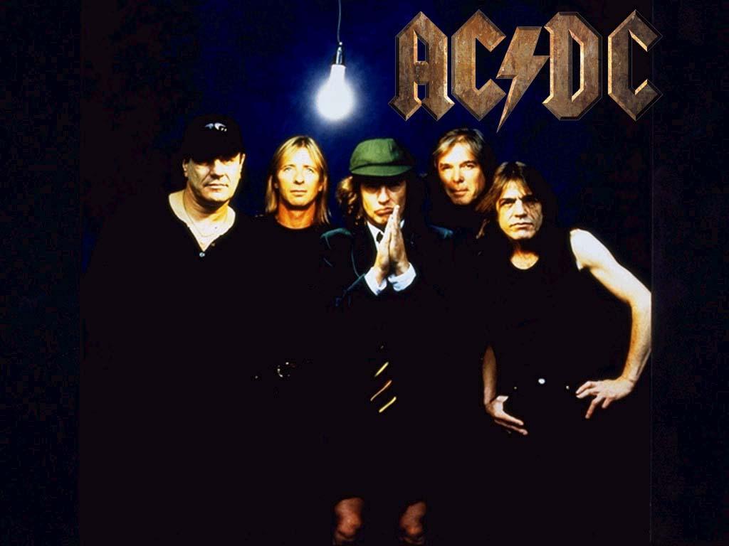Photo of Música de Fim de Semana: AC/DC com Thunderstruck!