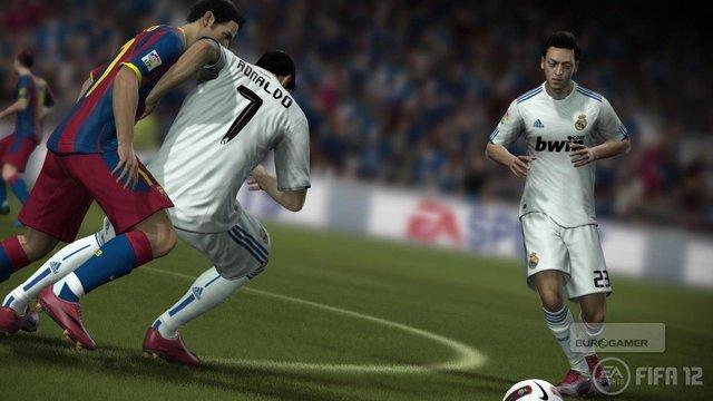 Enquanto FIFA 12 prepara sua estréia, FIFA 11 se despede com uma chuva de gols! [PS3/X360/3DS/PC]
