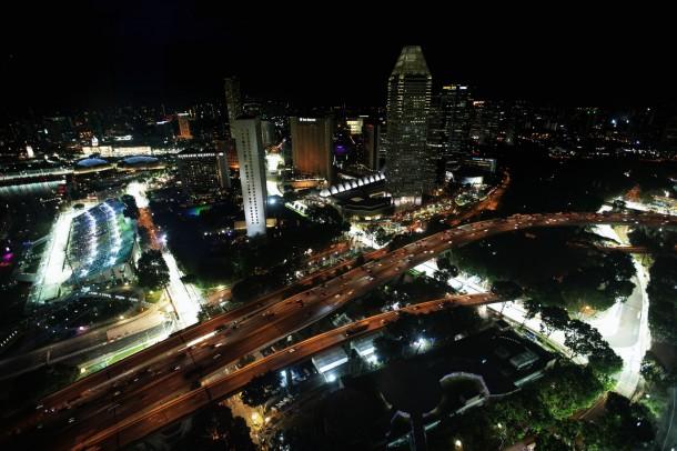 F-1: Massa ultrapassa até o Alonso em Cingapura. Mas… só no videogame!
